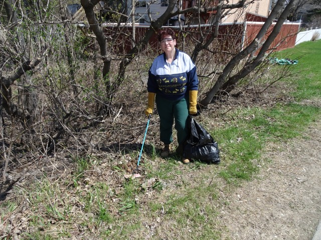 Debbie+ Young clean up along Poole Creek